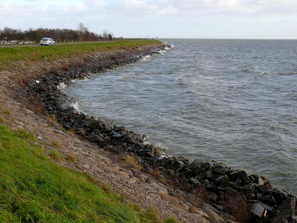IJsselmeerdijk bij Schellinkhout (NH)