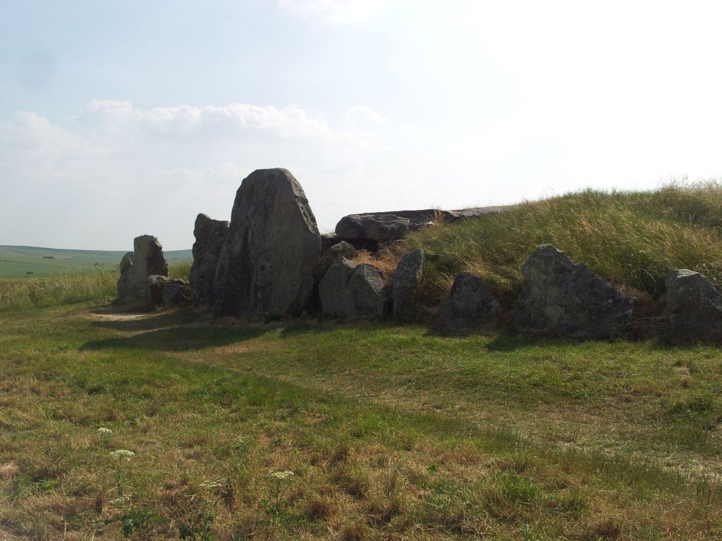 In de directe omgeving van Avebury liggen nog meer neolitische grafheuvels