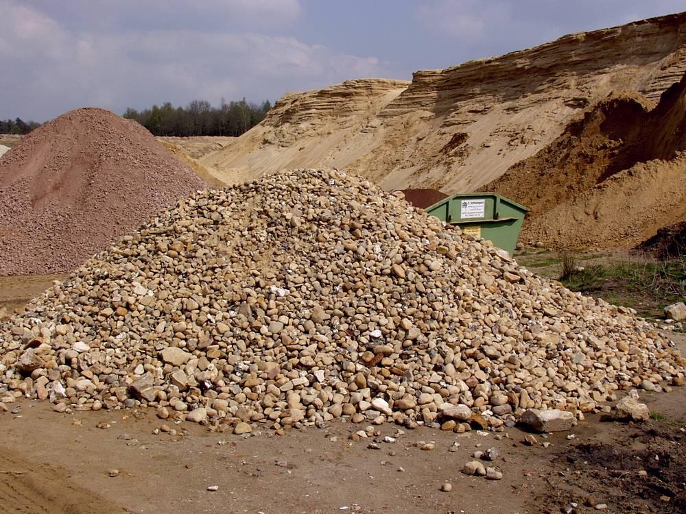 012. Een hoop zwerfstenen in een groeve bij Werpeloh in Duitsland