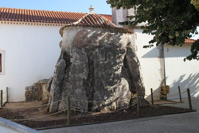 Igreja Santa Maria da Madalena. João Carvalho [CC BY-SA 3.0 (https://creativecommons.org/licenses/by-sa/3.0)], von Wikimedia Commons.